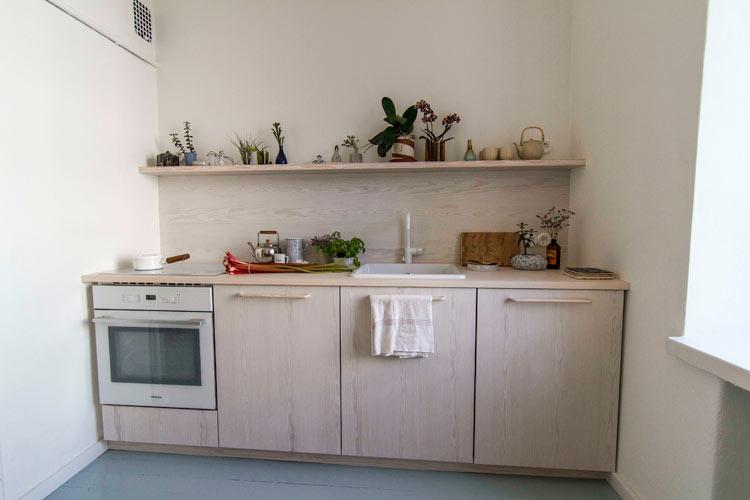 Vaatekaapit ja keittiö yksityiskotiin
