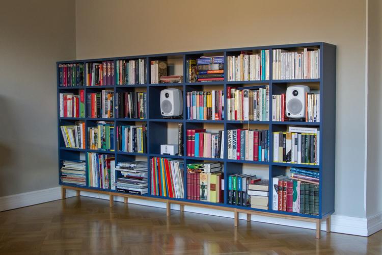 Kirjahylly yksityiskotiin